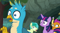 Students gasp at Rainbow Dash's words S8E17
