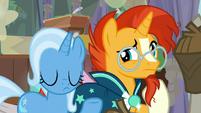 Trixie shrugs at Sunburst's question S9E11
