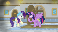 Twilight ''this isn't enough of a disguise'' S8E16