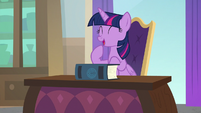 Twilight Sparkle hopeful for another morning S8E1