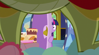 Twilight closes the door in horror S8E24