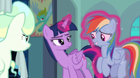 Twilight levitates Rainbow away from her S6E24