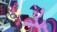 Twilight trying to reach Moon Dancer S5E12