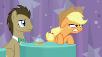 Applejack glares and growls at Rainbow S9E16
