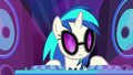 DJ Pon-3 shaking her head at Rarity S8E4.png