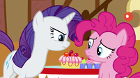 Pinkie looking at other Ponyville ponies S6E15