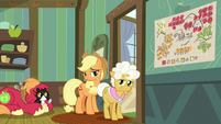 Applejack pondering on Granny's words S9E10