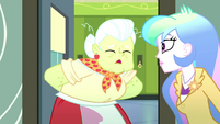 "Granny Smith ""itty-bitty cafeteria crisis"" SS8"