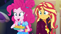 Pinkie Pie interested in churros EGSBP