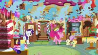 Pinkie Pie singing to the Cake twins S7E19