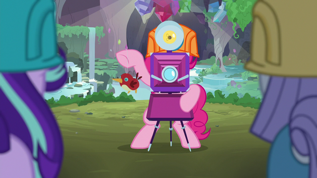 File:Pinkie Pie taking Starlight and Maud's picture S7E4.png