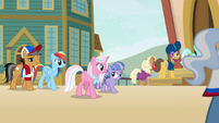 RD, Quibble, Sky, and Wind approach the stadium S9E6