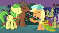 Applejack playing instrument S2E26