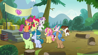 Cutie Mark Crusaders welcoming their campers S7E21