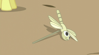 Dragonfly toy falls down S5E17