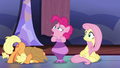 """Pinkie Pie """"laughing every time you talk!"""" S7E14.png"""