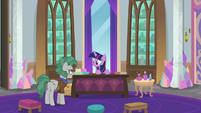 Professor Fossil addressing Twilight S8E21