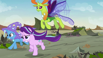Starlight, Trixie, and Thorax running toward Pharynx S7E17
