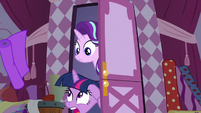 Twilight ducks under flying bolt of fabric S7E14