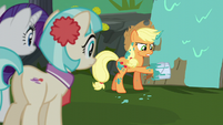 Applejack's hoof stuck in paint bucket S5E16