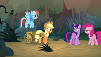 Applejack and Rainbow catch up with others S8E13