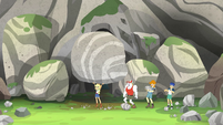 Applejack lifting a giant boulder EG4