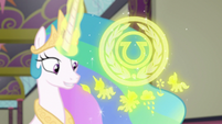 Celestia makes magic hologram of the EEA logo S8E1