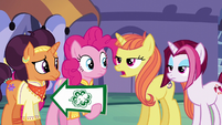 """Citrus Blush """"how many hooves does it have?"""" S6E12"""