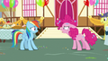 """Pinkie """"you know exactly what I'm talking about!"""" S7E23.png"""