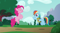 Pinkie catches the cookie in her mouth S6E15