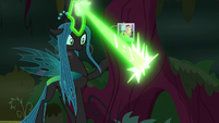 Queen Chrysalis carving Fluttershy's cutie mark S8E13