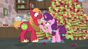 Sugar Belle flirting with Big McIntosh S7E8