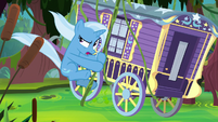 Trixie and wagon swing through swamp S8E19