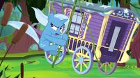 Trixie and wagon swing through swamp S8E19