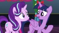 Twilight --Hearth's Warming is about more than presents and candy-- S6E8
