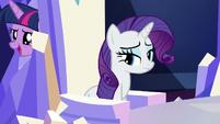 Twilight passes behind Rarity's throne S5E22