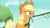 Applejack flinging vines S8E9