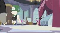 Chrysalis as Cadance walking up to the mirror S2E26