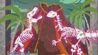 Dinosaur skeletons go back to standing still EGDS1
