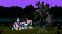 Luna eclipsed Night statue ponies 16