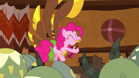 Pinkie playing yovidaphone for the yaks S8E18