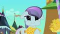 Pony eating corncob S3E2.png