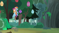 Rainbow Dash snatches up Scootaloo S7E16