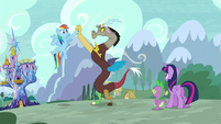Rainbow high-hoofs with Discord S5E22
