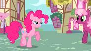 S02E18 Pinkie spotyka Cheerilee