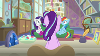 Starlight tells Rarity and Dash to be quiet S8E17