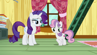 Sweetie Belle acts uncomfortable in front of Rarity S7E6