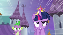 Twilight and Spike dash through Canterlot S4E01