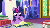 Twilight reading in the throne room S8E24