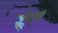 Flutterbat hisses at Rainbow Dash S4E07